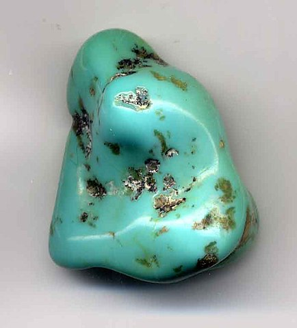 http://upload.wikimedia.org/wikipedia/commons/thumb/b/b8/Turquoise.pebble.700pix.jpg/434px-Turquoise.pebble.700pix.jpg