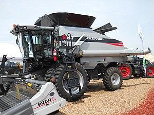 2011 AGCO Gleaner S67 Tritura commbine harvest...