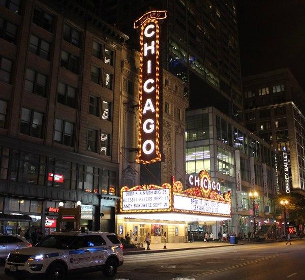 Chicago Theatre - Wikipedia