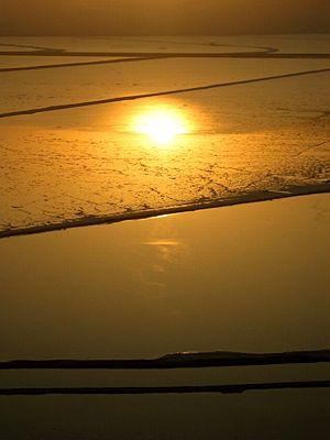 English: The Dead Sea just before sunrise. The...
