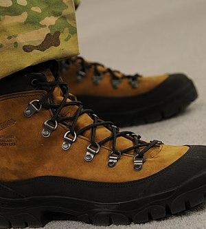 English: Mountain Combat Boots