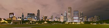 Chicago skyline with the CNA Center showing th...