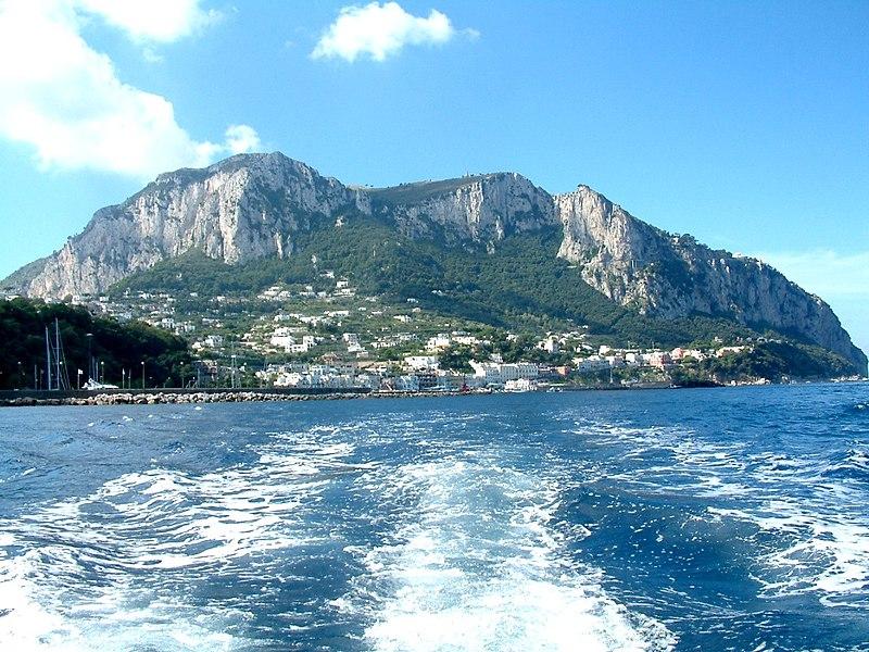File:Wyspa Capri.JPG