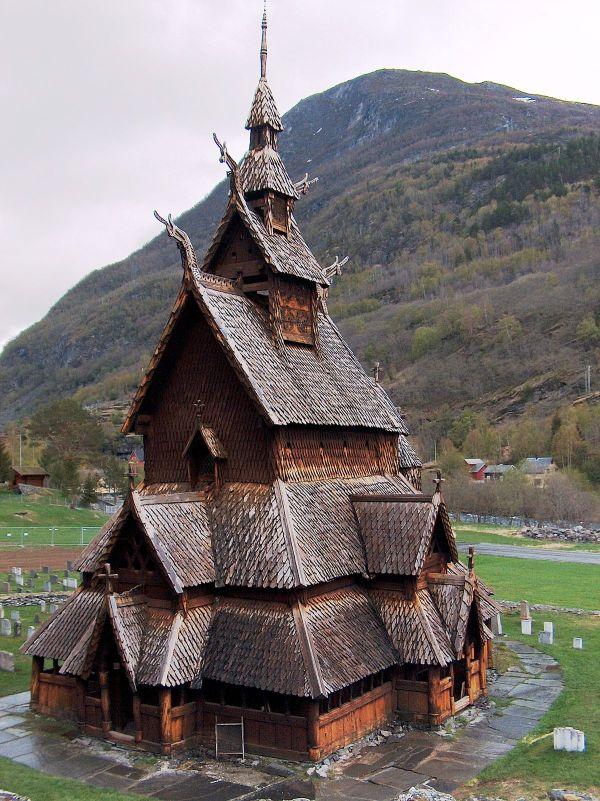Medieval Scandinavian Architecture - Wikipedia