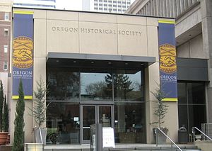 English: Entrance to the Oregon Historical Soc...