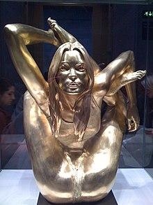 Sphinx Marc Quinn sculpture  Wikipedia