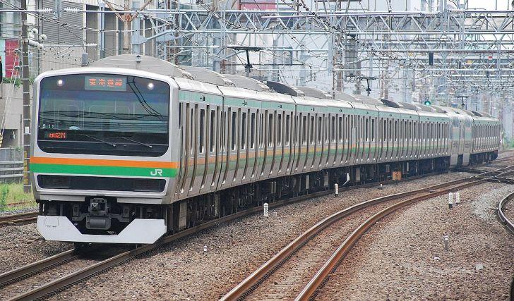 川崎駅に到着するE231系近郊タイプ(2012年7月24日 横浜 - 川崎)