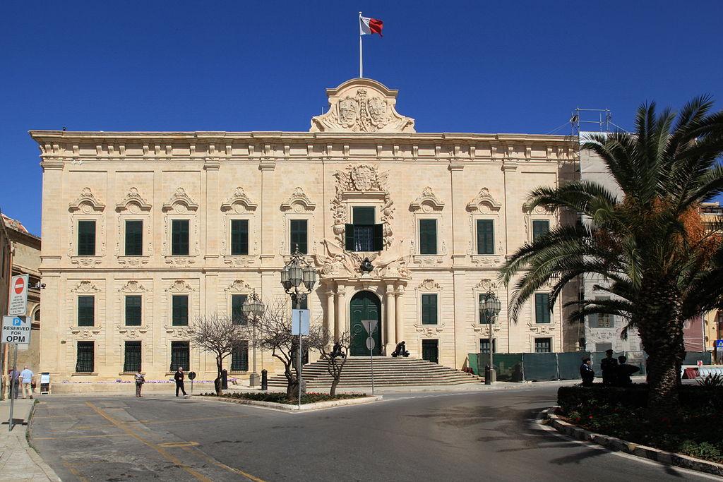 Malta - Valletta - Pjazza Kastilja+Auberge de Castille 01 ies