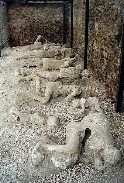 Ficheiro:Pompeii Garden of the Fugitives 02.jpg