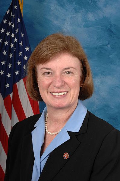 https://i0.wp.com/upload.wikimedia.org/wikipedia/commons/thumb/b/bd/Carol_Shea-Porter,_official_110th_Congress_photo_portrait.jpg/398px-Carol_Shea-Porter,_official_110th_Congress_photo_portrait.jpg