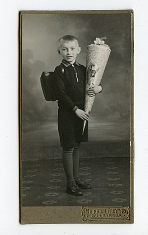 English: german school-boy (Heinrich Bruno Wit...