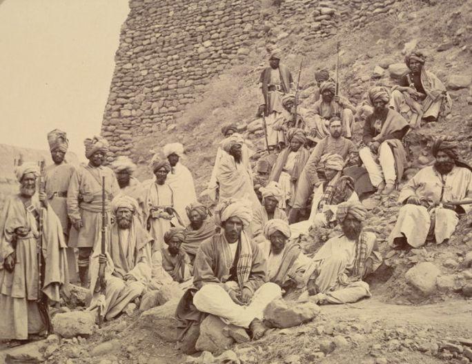 File:Khyber chiefs with captain tucker.jpg