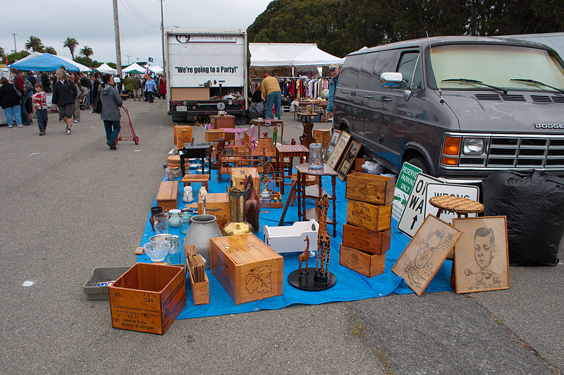 File:Treasure Island Flea Market (6039257899).jpg