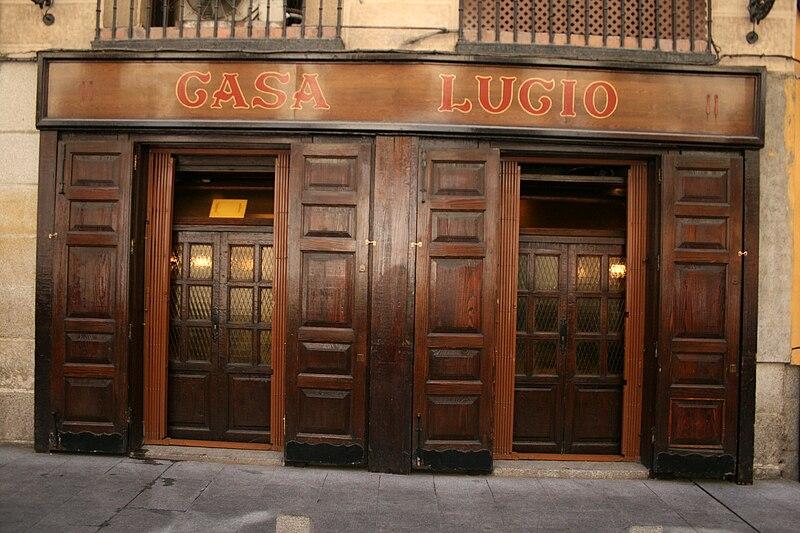 Archivo:Casa Lucio-2009.jpg