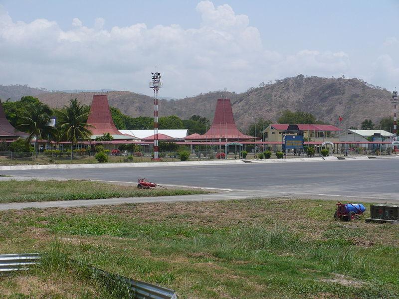 File:Dili Intl terminal.JPG