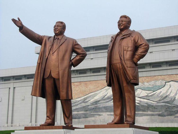 kim jong un statua corea del nord
