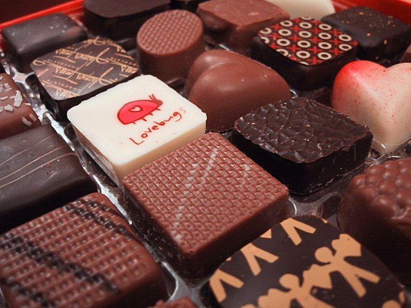 File:Valentines Day Chocolates from 2005.jpg
