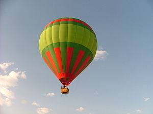 English: Hot air ballooning adventure with Cie...