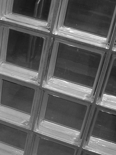 Archivo: Ladrillo de cristal window.jpg