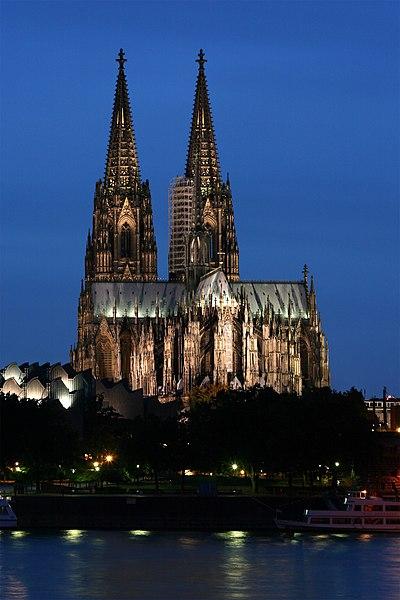 File:Kölner Dom abends.jpg