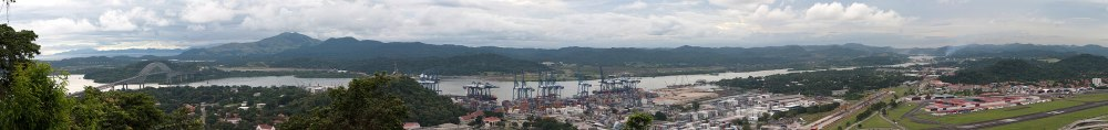 medium resolution of panorama of pacific entrance of the canal left pacific ocean and puente de las americas bridge of pan american highway far right miraflores locks