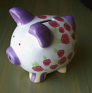 English: ceramic piggy bank