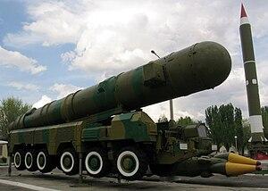 English: Medium-range ballistic missile with a...