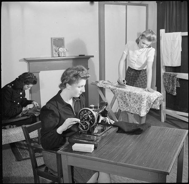 File:War Workers' Club- Everyday Life at a Women War Workers' Club, Darlington House, Wolverhampton, England, UK, 1943 D17471.jpg