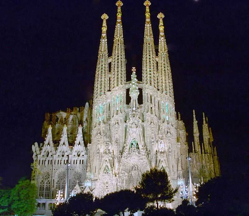 Archivo:Barcelona Iglesia Sagrada Familia 02.jpg