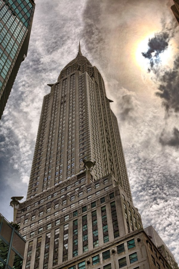 Chrysler Building - Howling Pixel