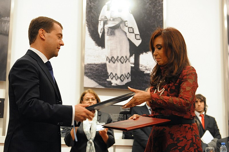 FileCristina Fernndez de Kirchner and Dmitry Medvedev  Casa Rosada 2010jpg