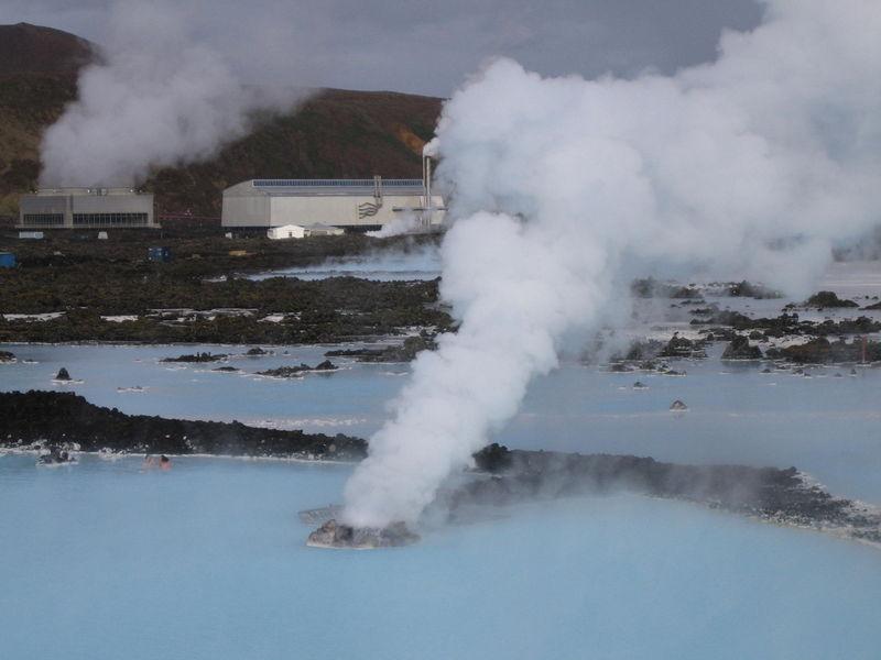 Manifestación de la energía geotérmica en la superficie