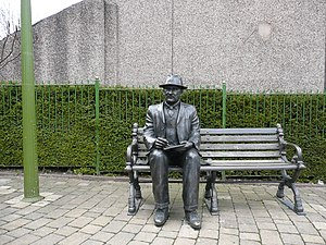 English: L.S. Lowry memorial