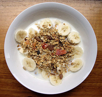 Dry muesli mix, served with milk and banana
