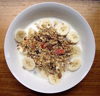 Dry muesli mix, served with milk and banana