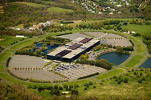Aerial view of Bell Labs Holmdel Complex. The ...