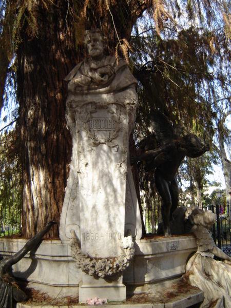 Archivo:SevillaGlorietaDeBecquer03.JPG