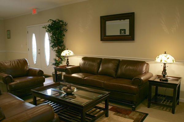 Leather Living Rooms with Chesterfield Sofas