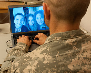 Flickr - The U.S. Army - Staying connected