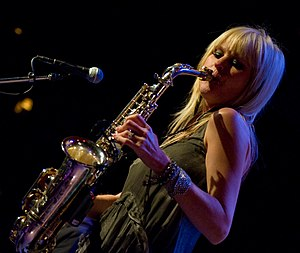 English: Mindi Abair performs at Jazz Alley in...