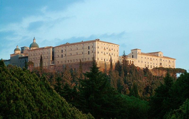 Archivo:Monte Cassino Opactwo 1.JPG