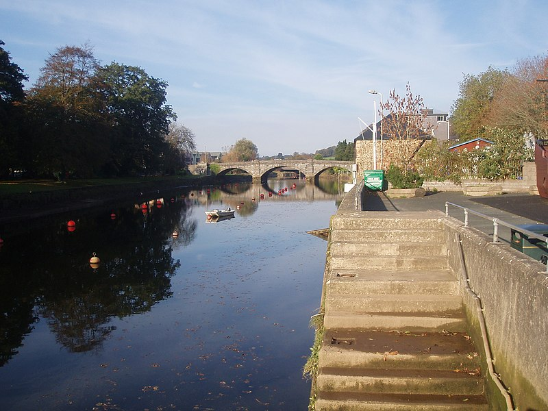 File:The River Dart at Totnes.jpg