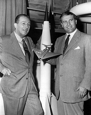English: Walt Disney, left, and Wernher von Br...