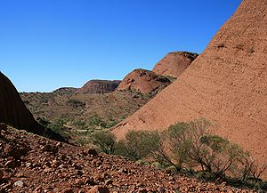 English: Kata Tjuta is located in the Northern...