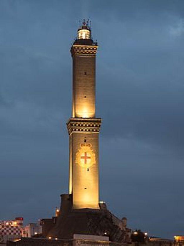 La Lanterna di Genova al Tramonto