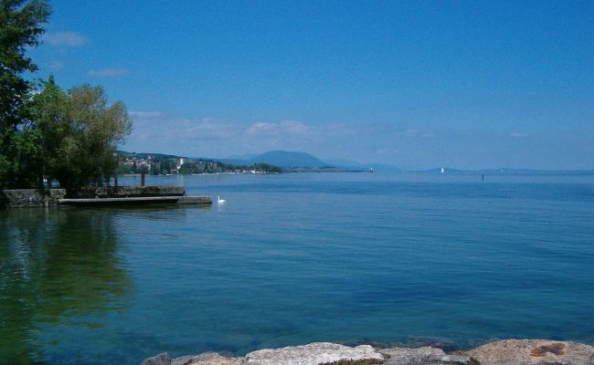 File Lac De Neuchatel Jpg Wikimedia Commons