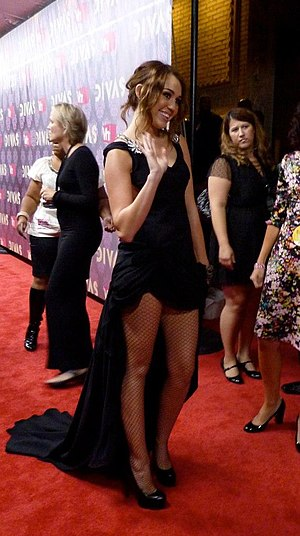 English: Miley Cyrus on the Red Carpet at Vh1 ...