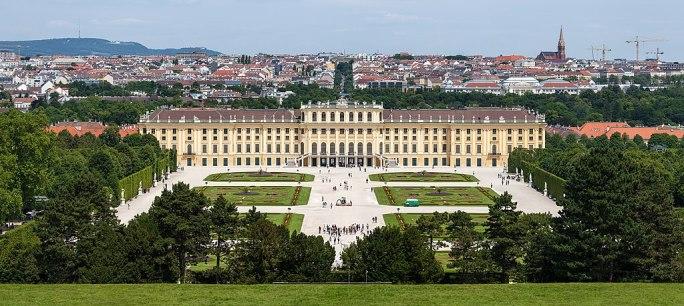 Schloss Schönbrunn Wien 2014 (Zuschnitt 1)