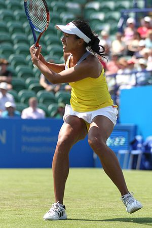 English: Anne Keothavong returns