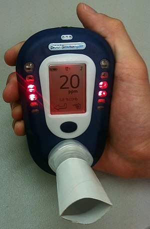 English: Breath carbon monoxide monitoring dev...